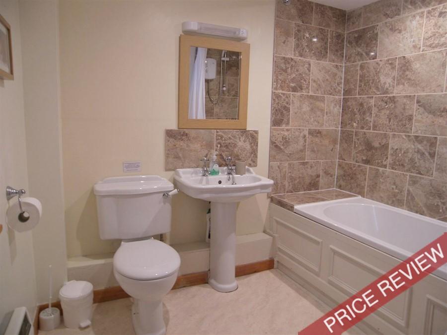 WL-bathroom.JPG