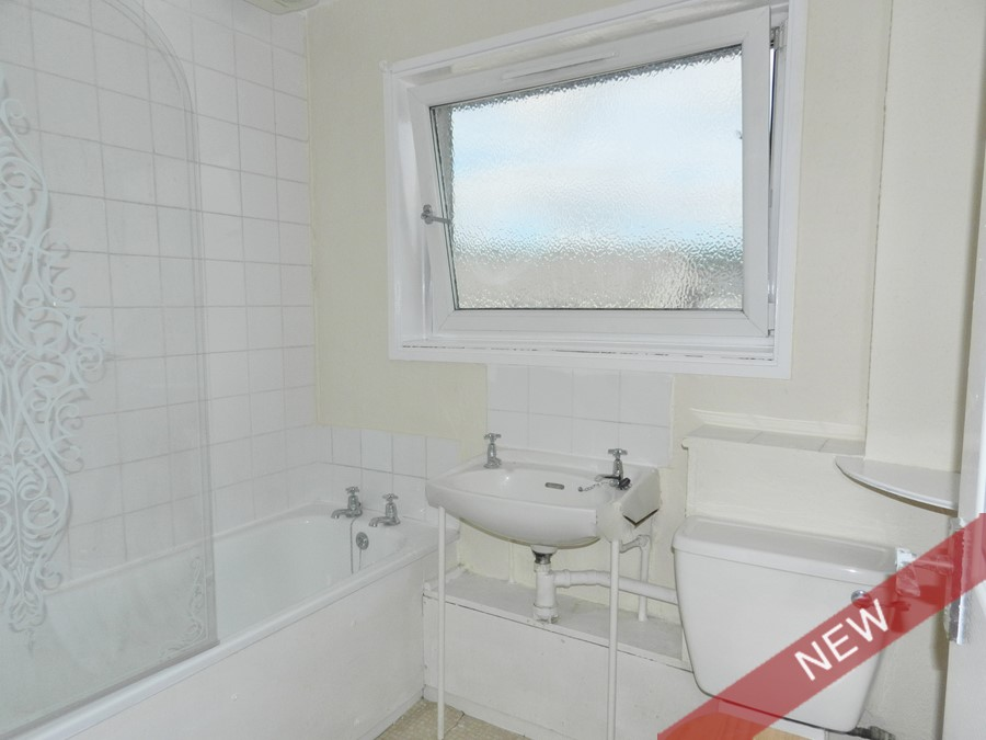 bathroom_18burnside.JPG