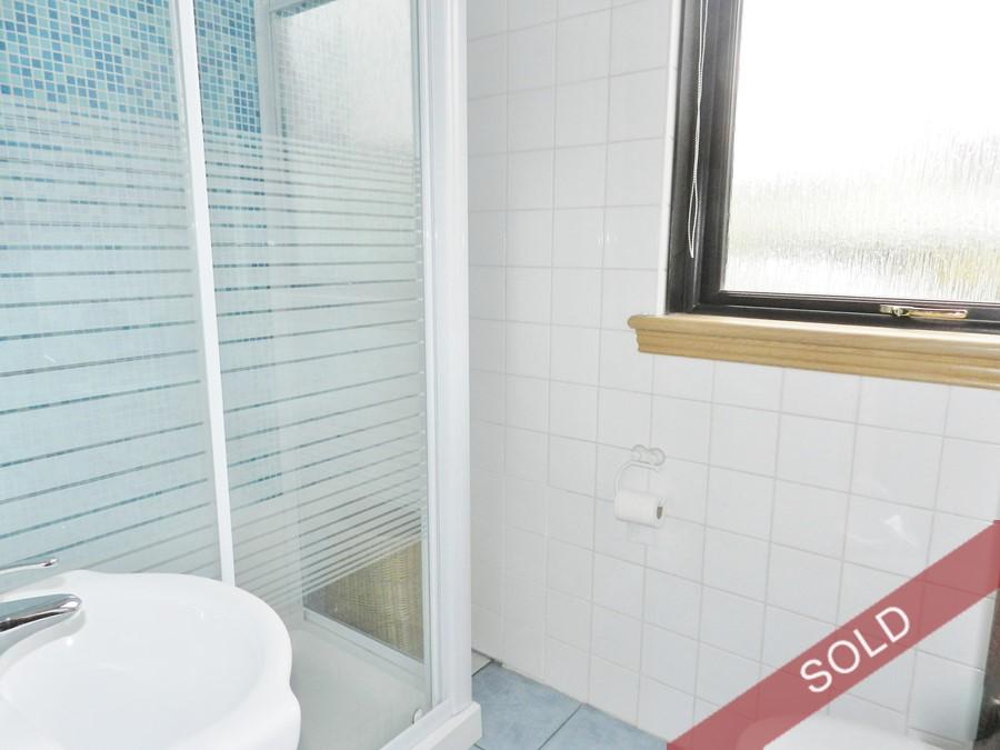 mackay_showerroom.JPG