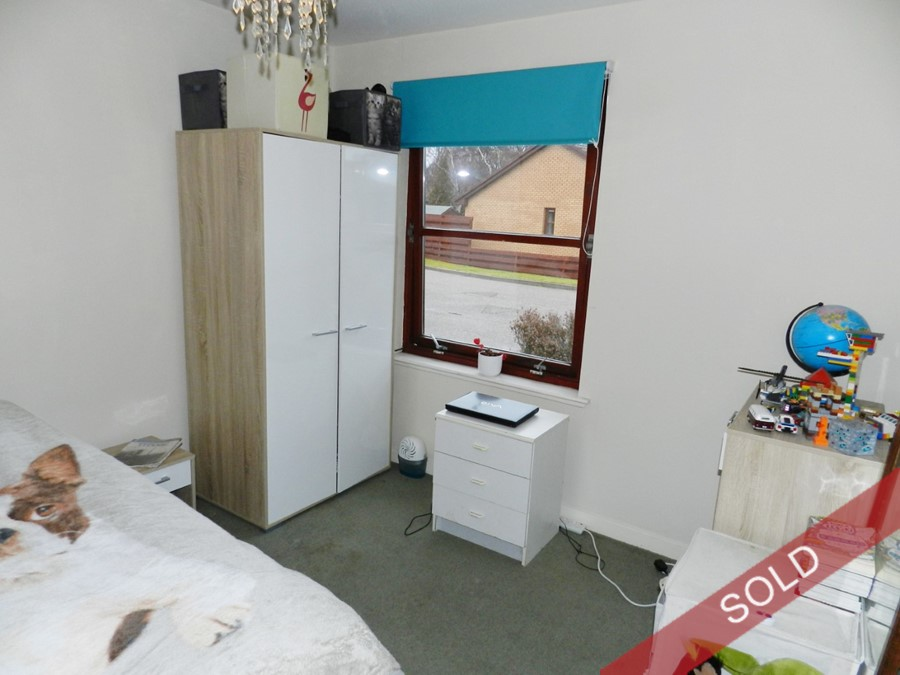 142bedroom2.JPG