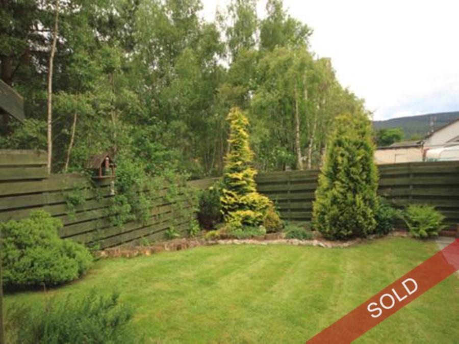garden_linmore.jpg