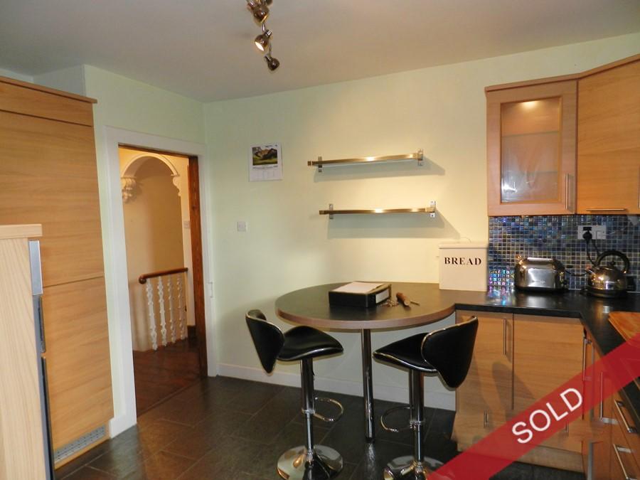 13highst_kitchen.JPG