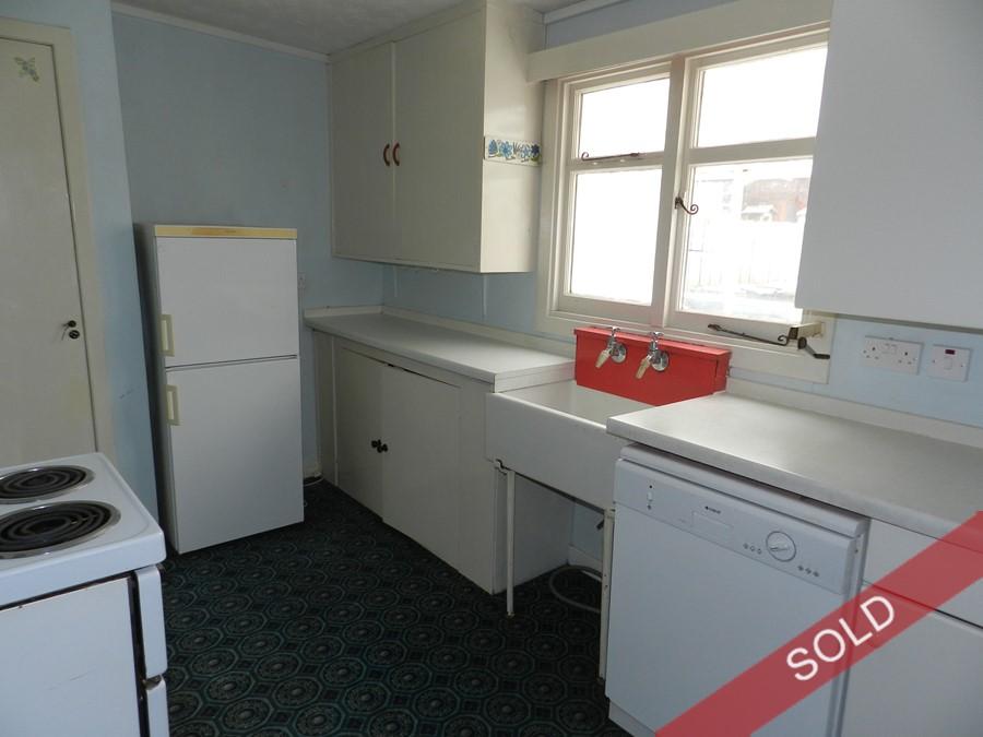 cairnsmore_kitchen.JPG