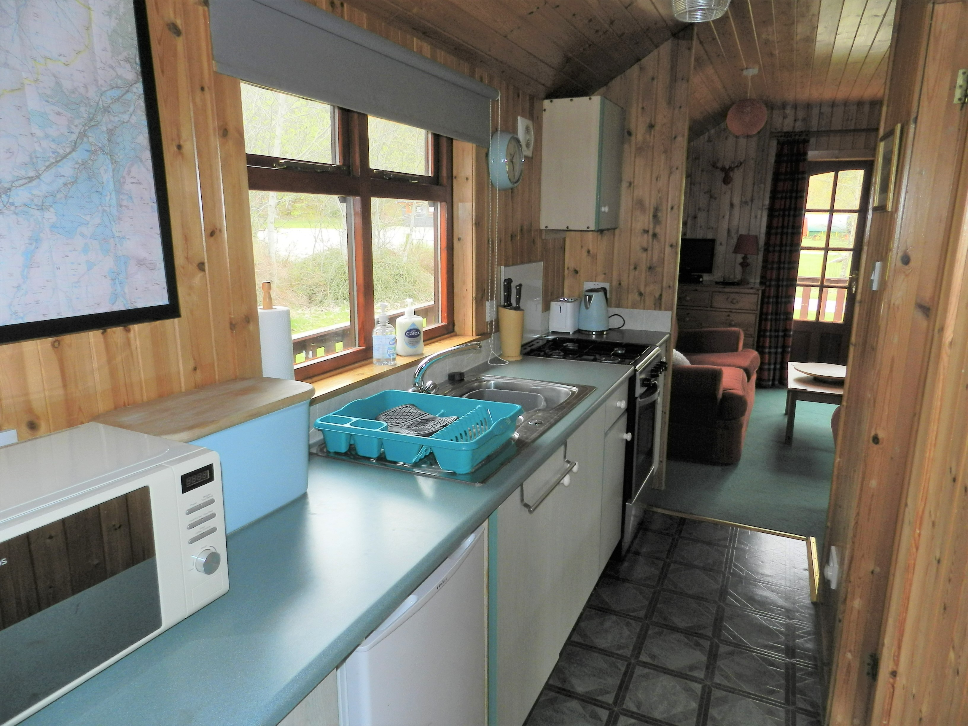 creagdhubh_kitchen.jpg