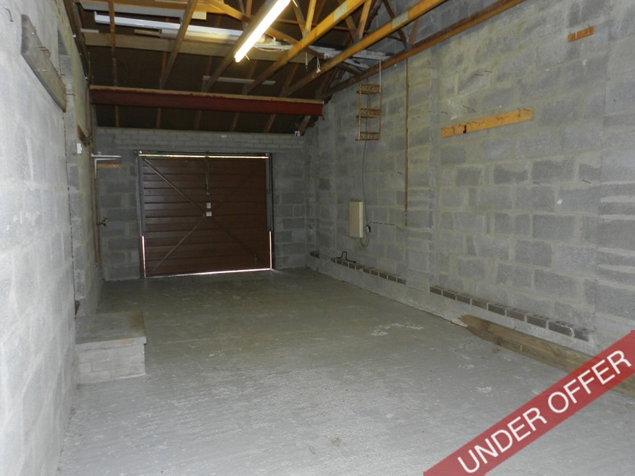 bellwood_garage.JPG
